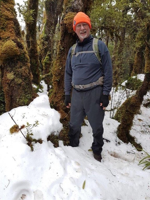 Kevin Alekna - kiwi handler - in the snow