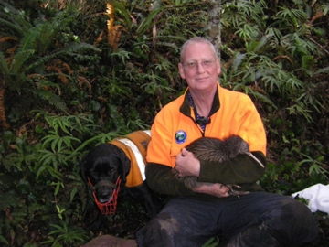Kevin Alekna and kiwi dog Maddie with Rush the kiwi